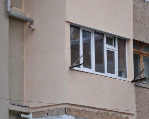 Утепленный фасад балкона