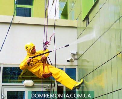 мытье фасадов альпинистами